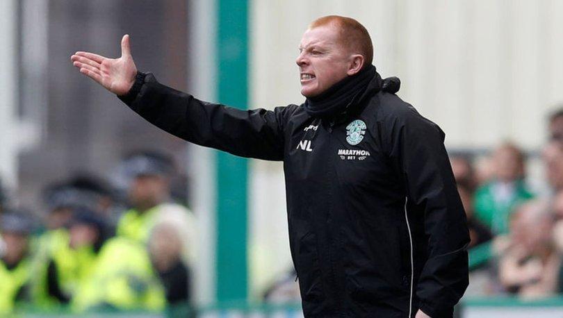 Celtic Teknik Direktörü Lennon, istifa etti