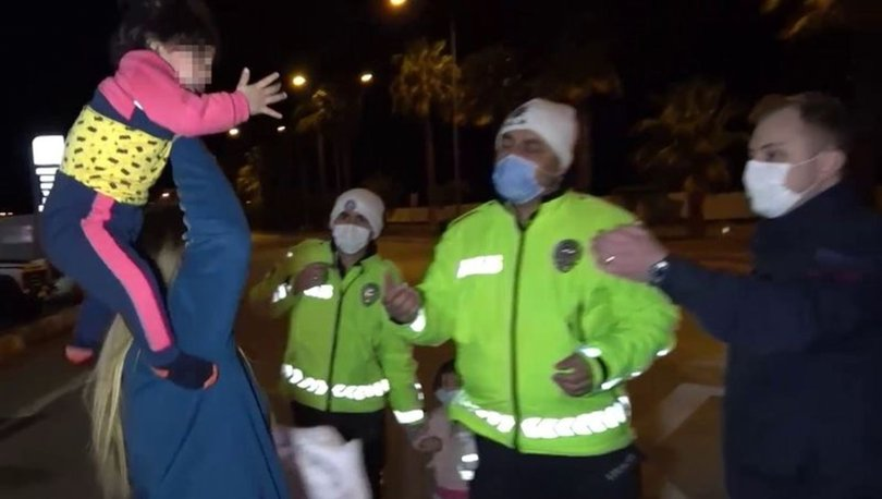 BU NASIL ANNE! Son dakika: Gazetecilere kızdı, çocuğunu fırlatmaya kalktı