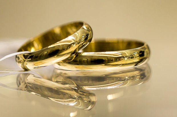 Evlilikleri salladı