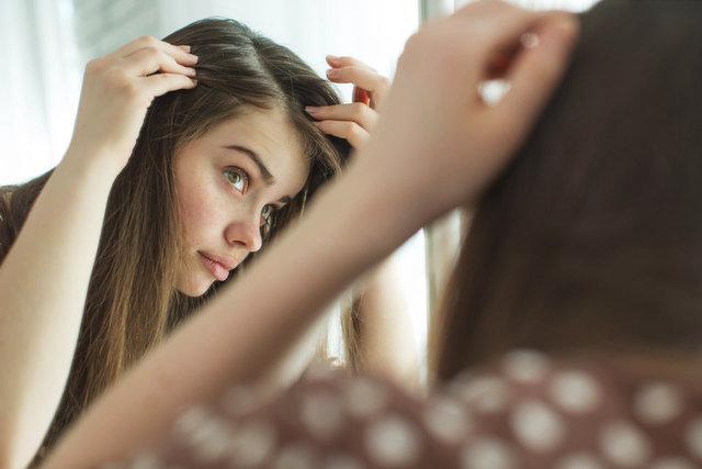 Saçlarını her gün yıkayanların yaşayabileceği 6 problem!
