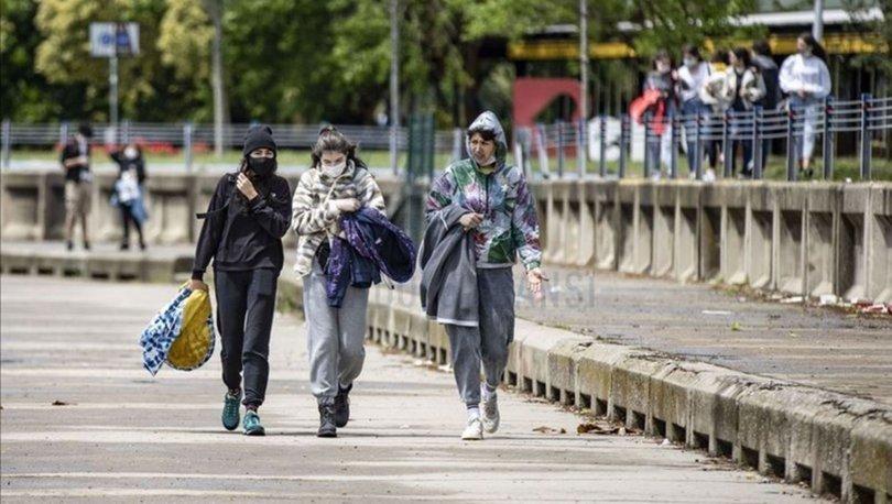 20 yaş sokağa çıkma yasağı saatleri: 20 yaş altı bugün sokağa çıkabilir mi, toplu taşıma kullanabilir mi?