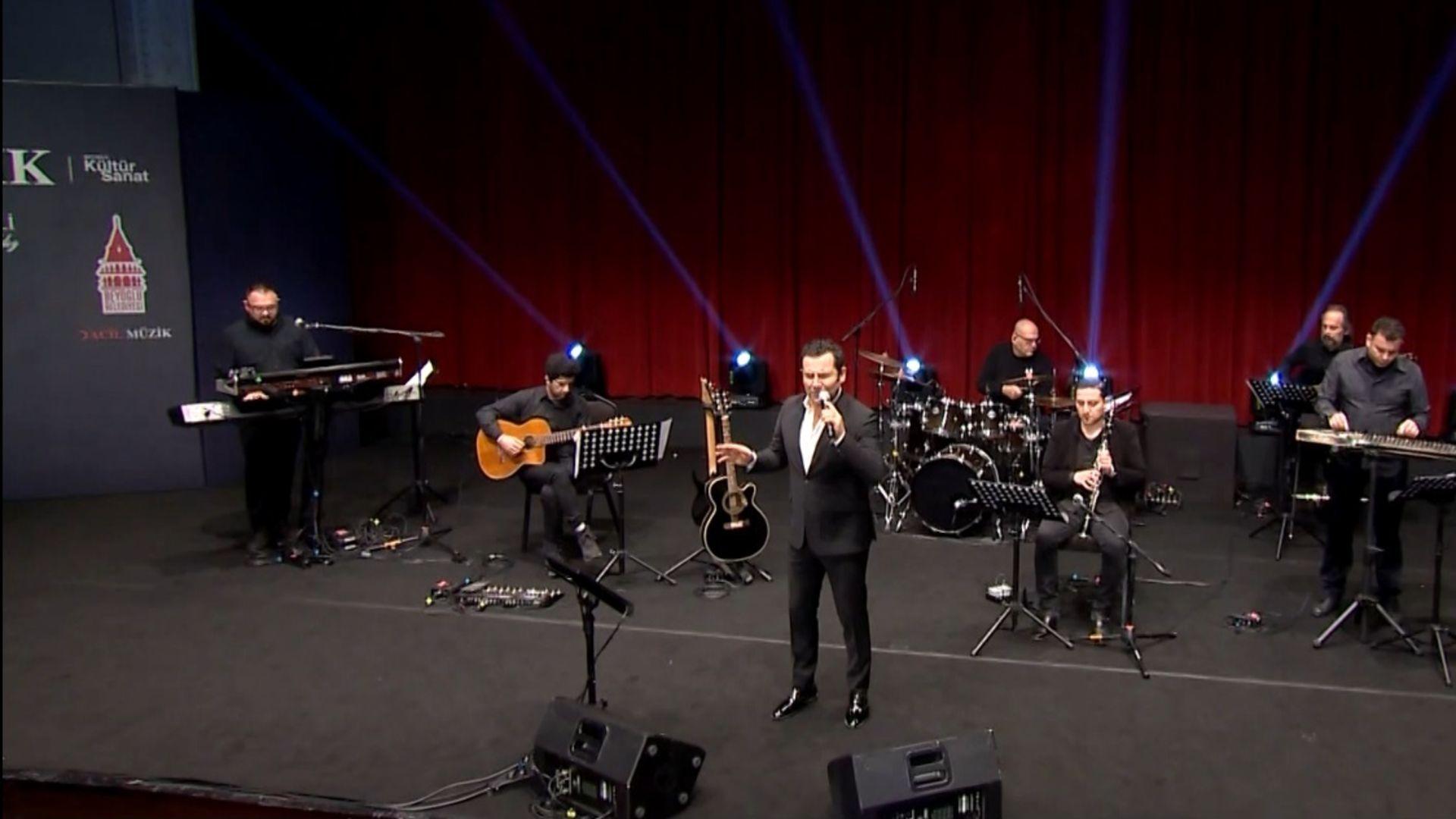 'Acil Müzik' konseri