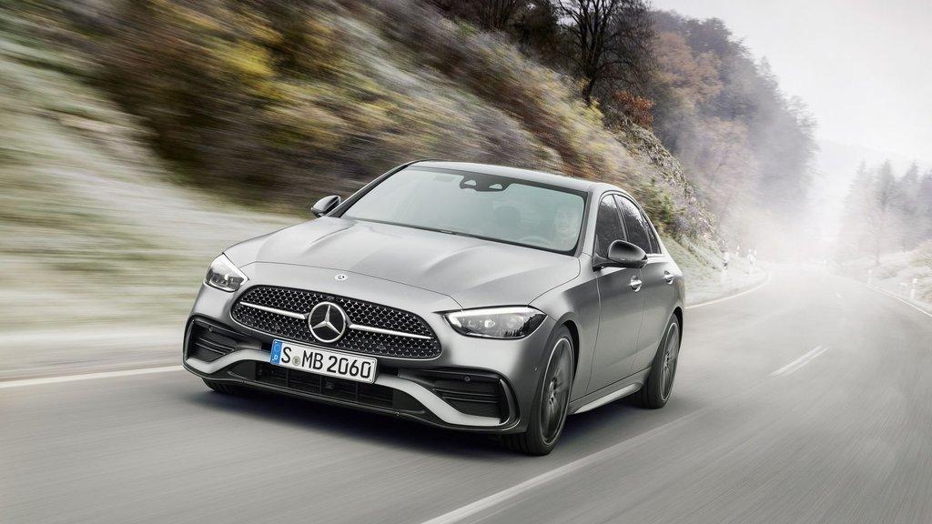 Mercedes'in 'küçük S-Serisi' yenilendi