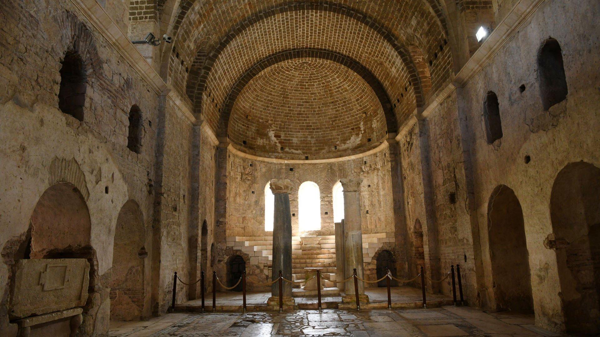 Kültürel ve doğal miraslarımız XL (St. Nicholas Kilisesi)