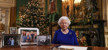 Kraliçe II. Elizabeth paralarını kitaplaştırdı