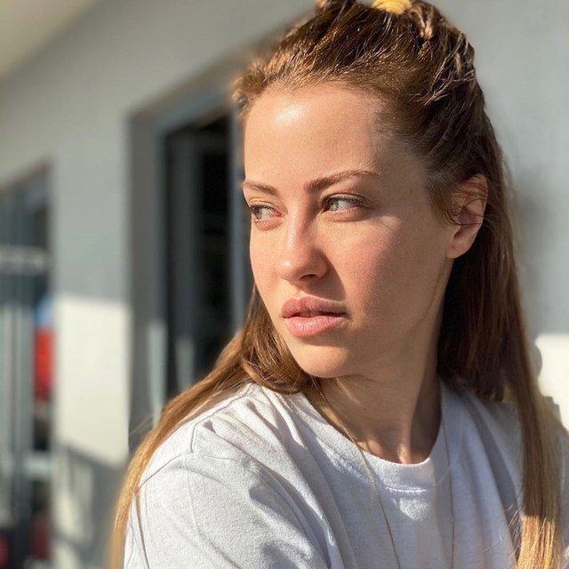 """Derya Uluğ'dan makyajsız paylaşım: """"Güneşi gördüm"""" - Magazin haberleri"""