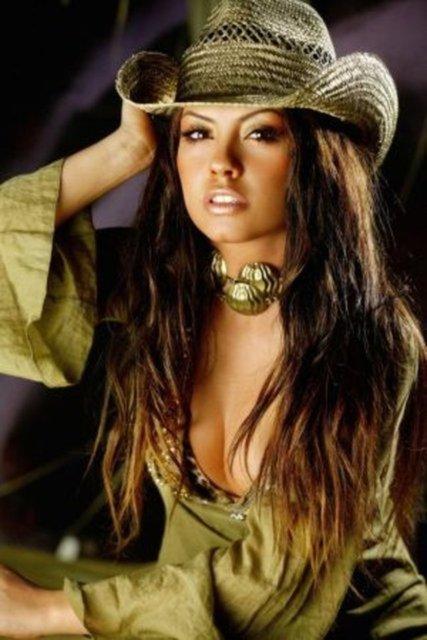 Lara estetik geçirdi: Sonunda küçüldü! - Son dakika Magazin haberleri