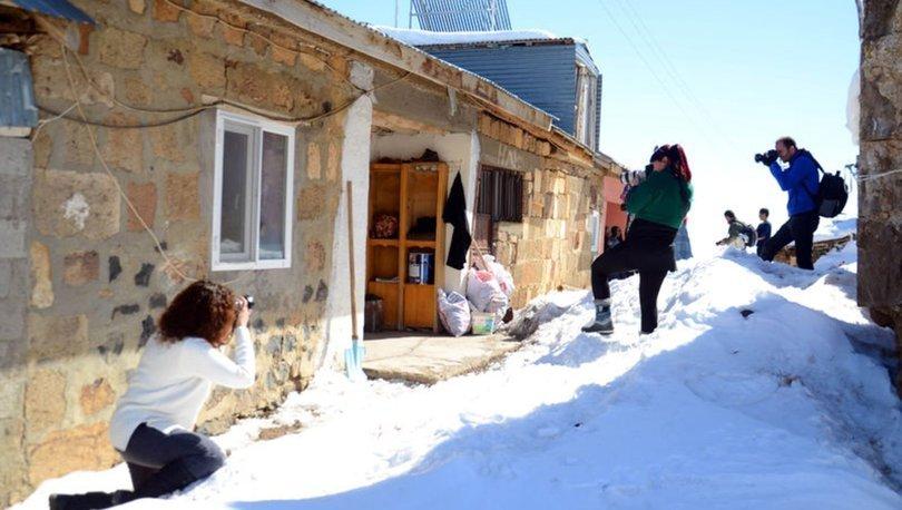 Kara gömülen Yukarıyongalı köyünü kare kare fotoğrafladılar