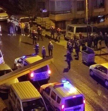 Ankara'da bir şahıs ağabeyi tarafından sokak ortasında silahla vurularak yaralandı
