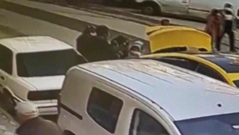 DEHŞET GÖRÜNTÜLERİ! Kucağında çocuğu olan kadını yumrukladı! - Haberler