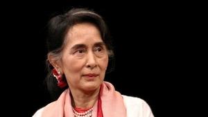 Myanmar'da cunta Suu Kyi'yi yasa dışı olarak 600 bin dolar ve altın almakla suçladı
