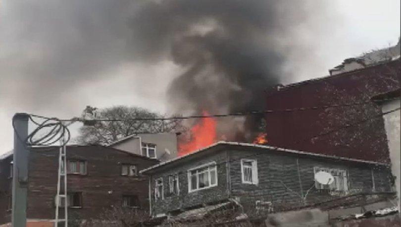 Son dakika haberi Şişli'de ahşap binada yangın!