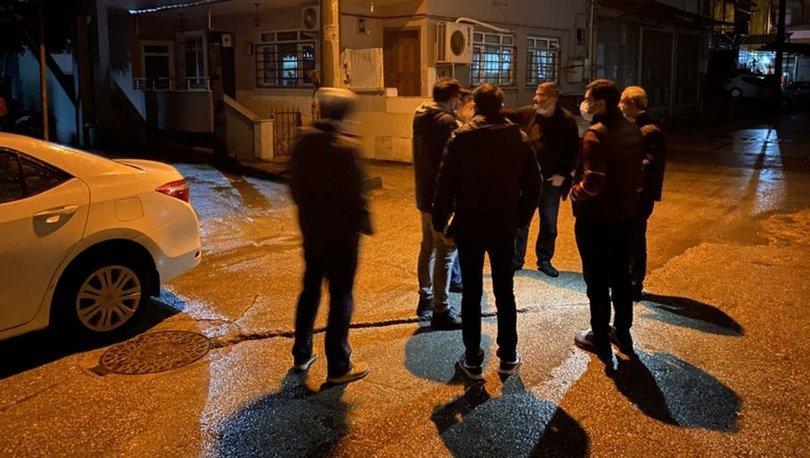 Sakarya'da 'yol verme' tartışmasında 2 kişiyi bıçaklayıp, kaçtı