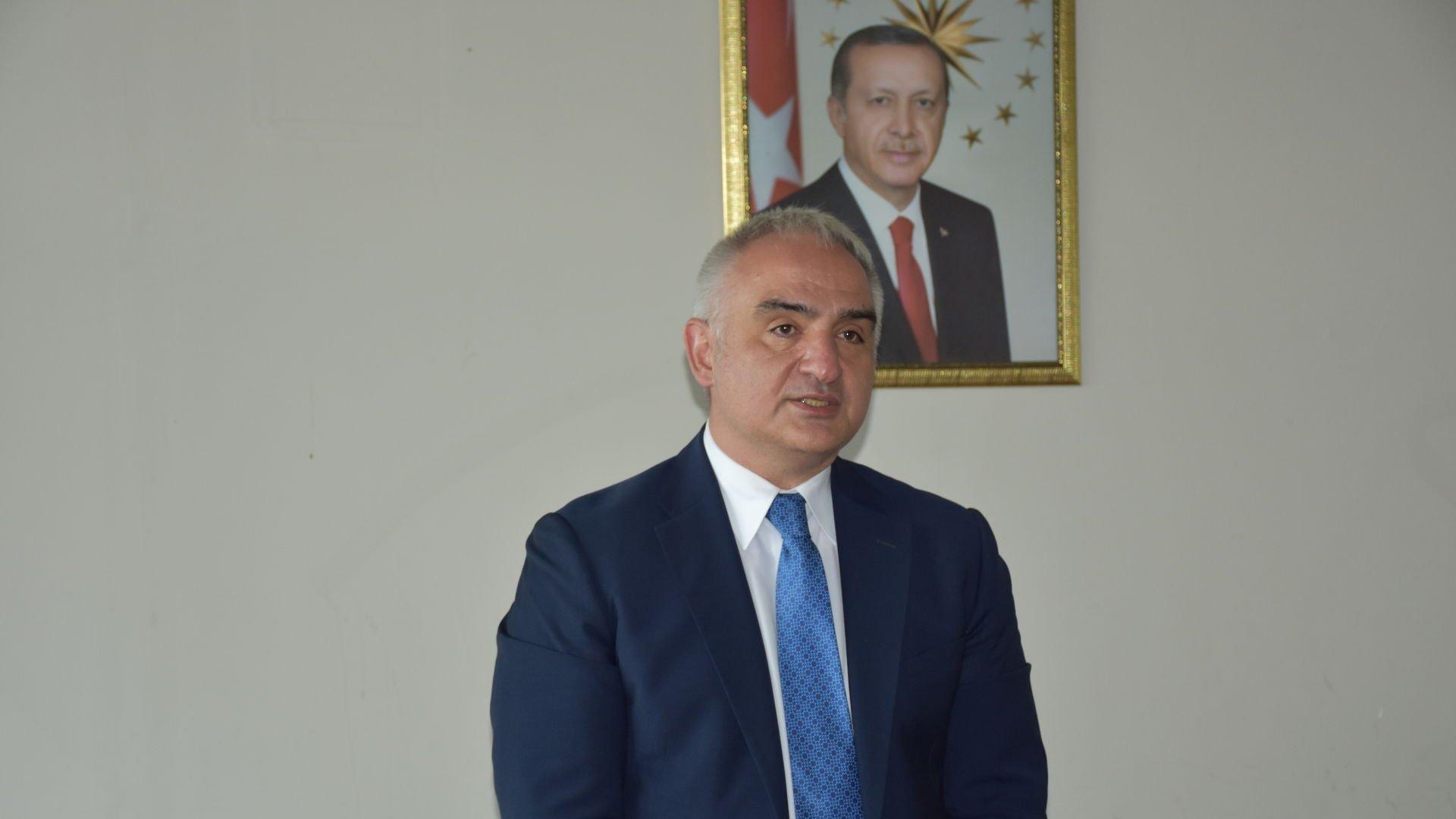 Kültür ve Turizm Bakanı Mehmet Nuri Ersoy'dan Kütüphane Haftası mesajı