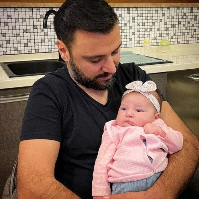 Kaya Çilingiroğlu çocuklarıyla yemekte! Zehra Çilingiroğlu ve Kaya ile aile yemeği - Magazin haberleri