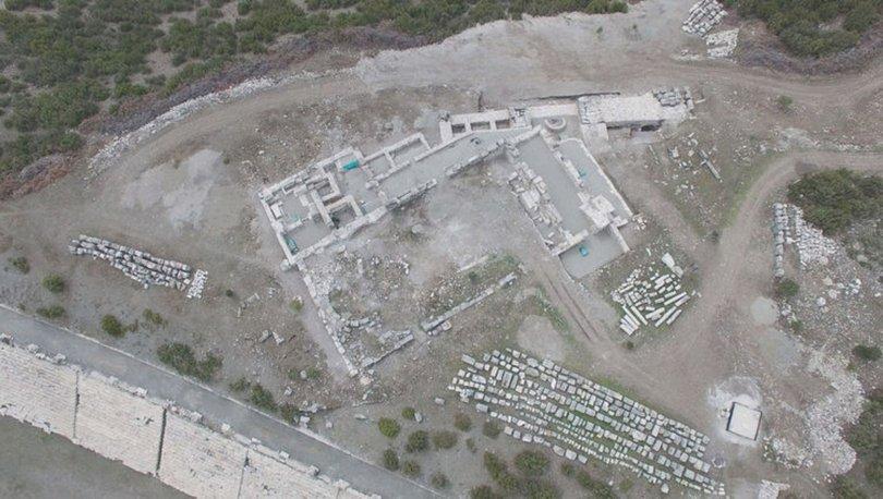 Kibyra'da bazilikal planlı kilisede 30 mezar bulundu