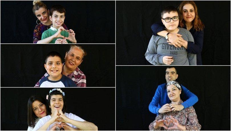 Yaşamlarını otizmli çocuklarına adayan fedakar anneler