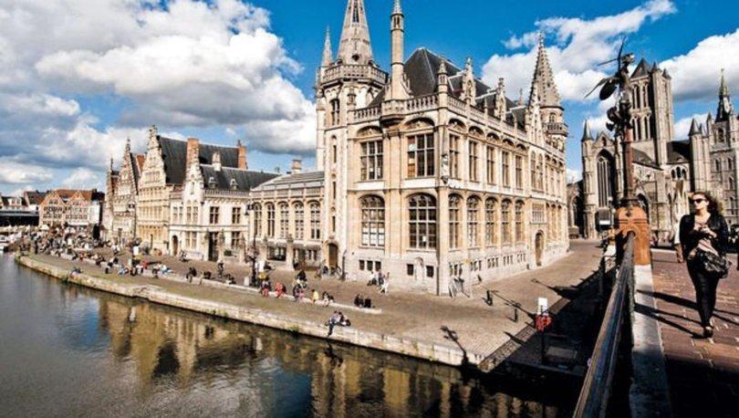 Belçika'da 1 Nisan şakası olarak duyurulan festival gerçeğe dönüşünce polis müdahale etti