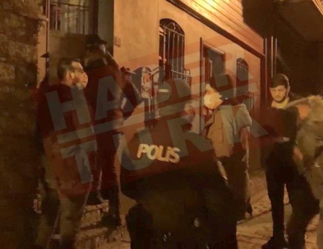 Özge Özpirinçci'ye polis baskını! Sevgilisi Burak Yamantürk küfür etti! - Magazin haberleri