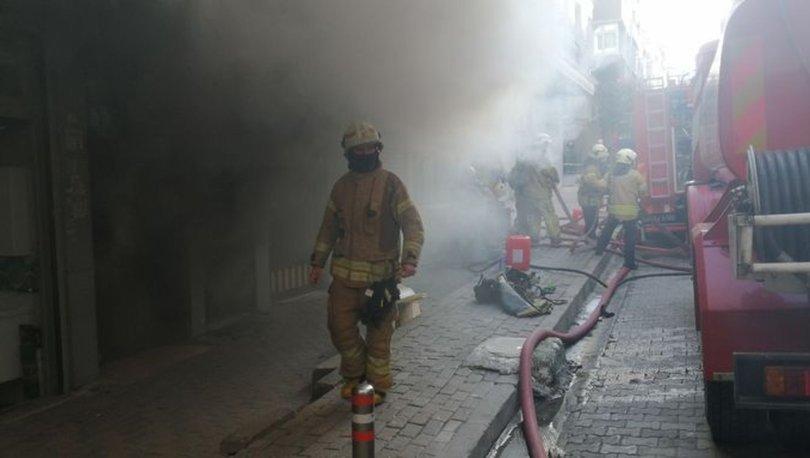 Güngören'de medikal depo malzemesinde yangın çıktı