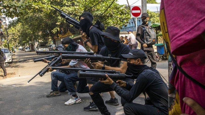 SON DAKİKA! Myanmar'da protestocular polis karakoluna saldırdı: 7 ölü - HABERLER
