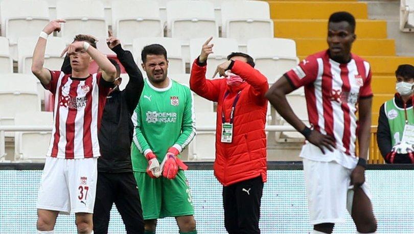 Sivasspor'dan Trabzonspor maçında sakatlanan kaleci Ali Şaşal Vural'ın sağlık durumuyla ilgili açıklama