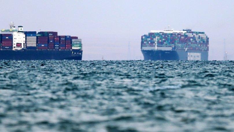 Süveyş Kanalı deniz trafiğine tamamen açıldı