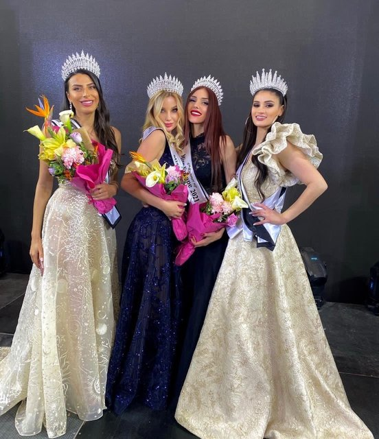 Lübnan'daki güzellik yarışmasında Türk manken Duygu Çakmak üçüncü oldu