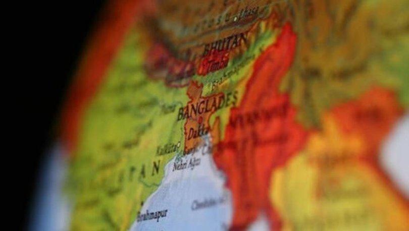 Bangladeş'te yük gemisi feribota çarptı: 5 ölü