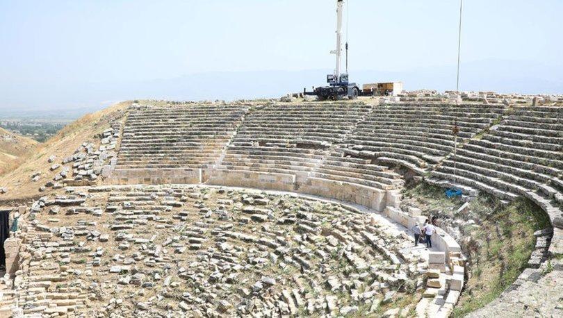 Laodikya Antik Tiyatrosu'nda 1600 yıllık hasret sona eriyor