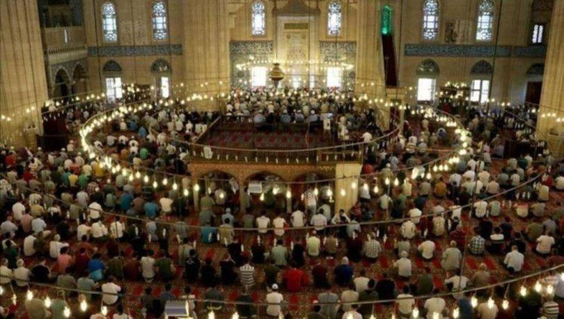 Mısır'da camide teravih namazına yarım saat sınırlaması