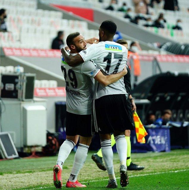 HANGİ YAZAR NE DEDİ! Beşiktaş - Alanyaspor maçının yazar yorumları