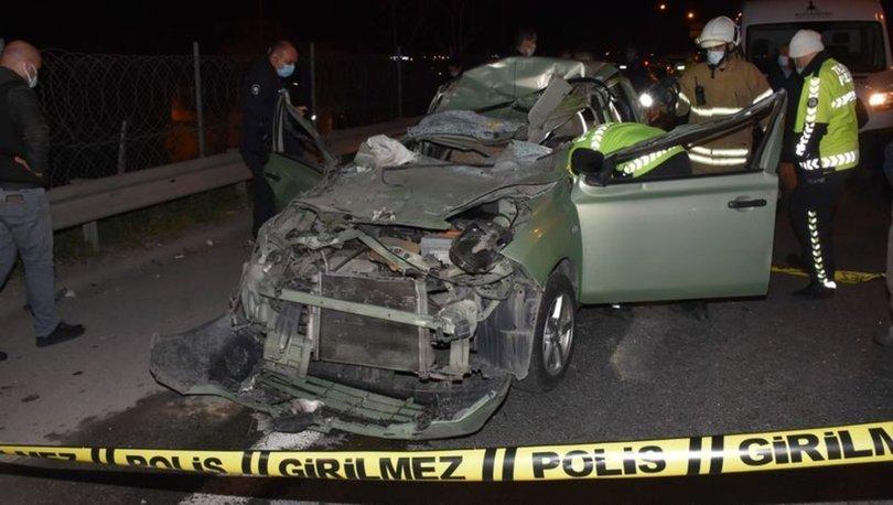 İzmir'de otomobil TIR'a çarptı: 1 ölü, 1 ağır yaralı