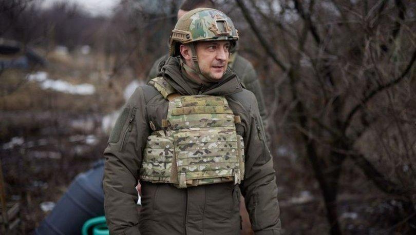 SON DAKİKA: Ukrayna Devlet Başkanı Zelenskiy orduya moral vermek için Donbas'a gitti!
