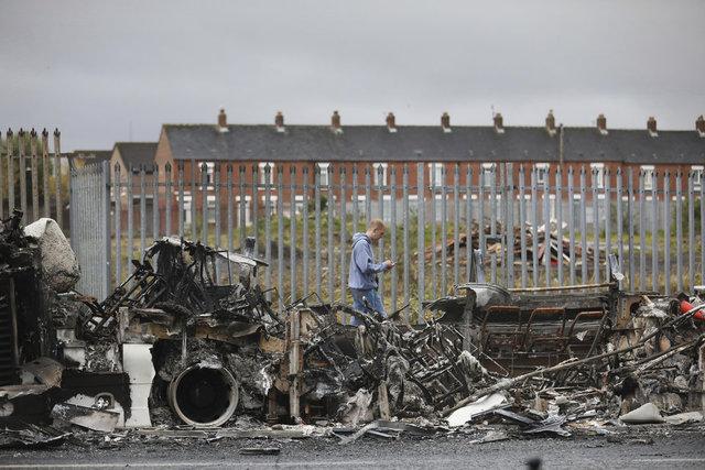 KAOS... Son dakika: Kuzey İrlanda karıştı! - Haberler