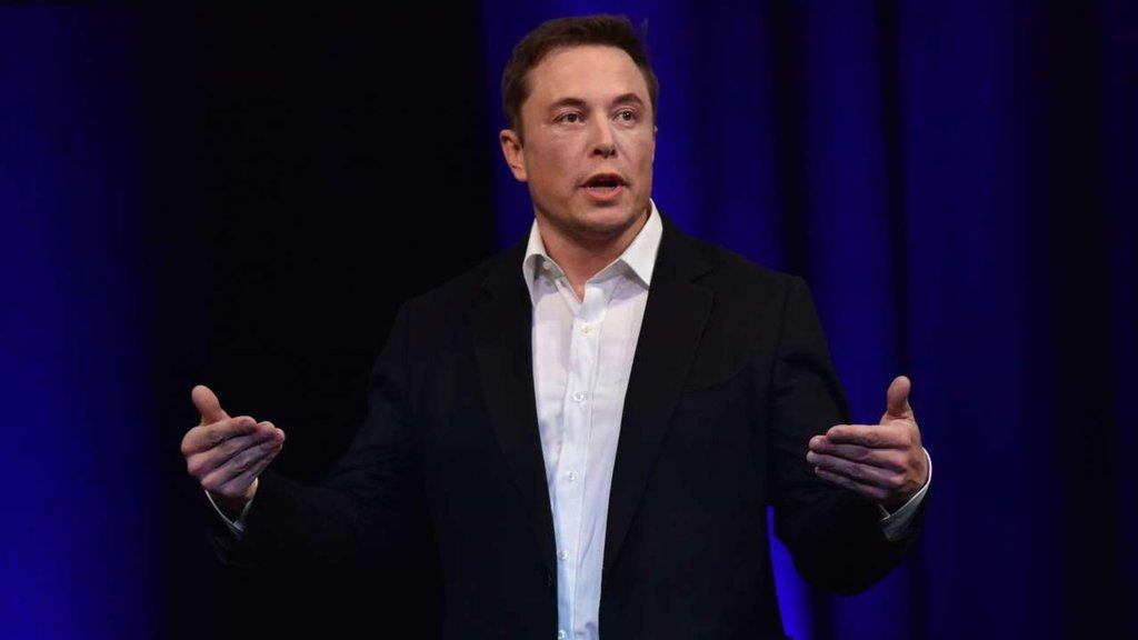 Musk'tan Gates'e karikatürlü aşı göndermesi