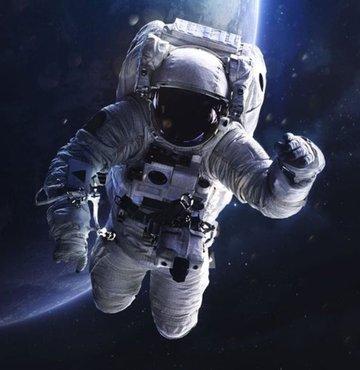 Arap dünyasının ilk kadın astronotu için NASA seçimleri tamamladı. Buna göre ilk Arap Kadın astronot Birleşik Arap Emirlikleri