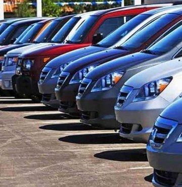 İkinci el otomobil platformu ikinciyeni.com'un verilerine göre, 2020 Kasım'dan bu yana ikinci el otomobil fiyatları ilk kez artmaya başladı. Peki İkinci el araba fiyatları yükselişi devam edecek mi? İşte ikinci el araba fiyatlarında son durum...