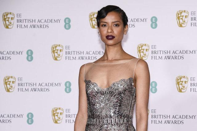 2021 BAFTA Ödülleri kırmızı halısından böyle geçtiler