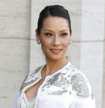 Ünlü oyuncu Lucy Liu,