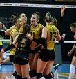 Voleybolda Misli.com Sultanlar Ligi play-off final serisinin ikinci maçında VakıfBank, Fenerbahçe Opet