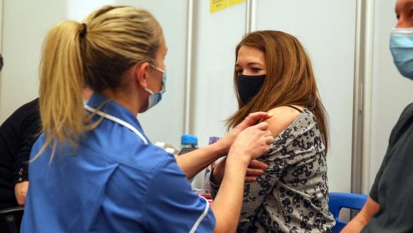 Covid aşısı: İngiltere'de farklı Covid aşılarının karıştırılmasına yönelik araştırma genişletildi