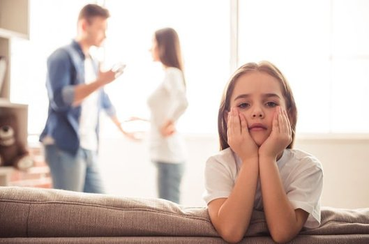 Çocuklar için evli kalmak doğru mu?