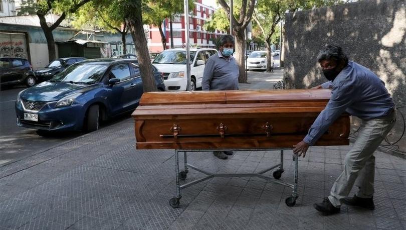 Aşılamada hızlı olmakla övünen Şili'de koronavirüs vakaları tekrar yükselişe geçti