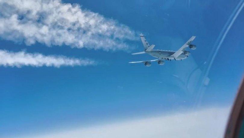 KARŞI KARŞIYA! SON DAKİKA: Rus savaş uçağı, ABD keşif uçağını engelledi!
