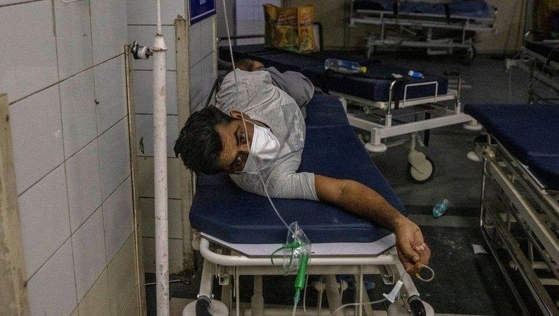 Covid: Hindistan günlük vaka sayısında ilk sırada, çaresiz hastalar karaborsada ilaç arıyor