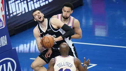 Clippers'a 76ers freni