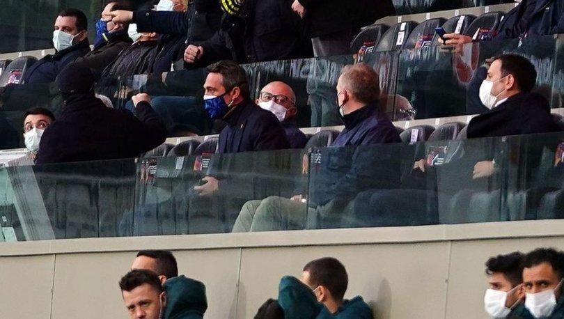 Fenerbahçe Başkanı Ali Koç tribünde