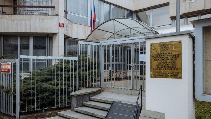 Rusya Çekya'nın 20 diplomatını sınır dışı ediyor