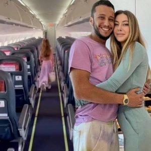 Sevgilisi uçağı kapattı!